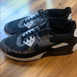 Nike Air Max. Size 10